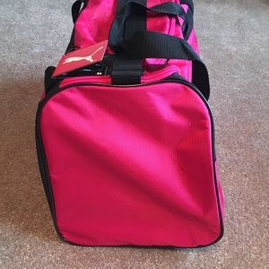 "ed009544d4 Puma Bags - New!🌺PUMA🌺""HOT PINK"" Gym/Duffle Bag"